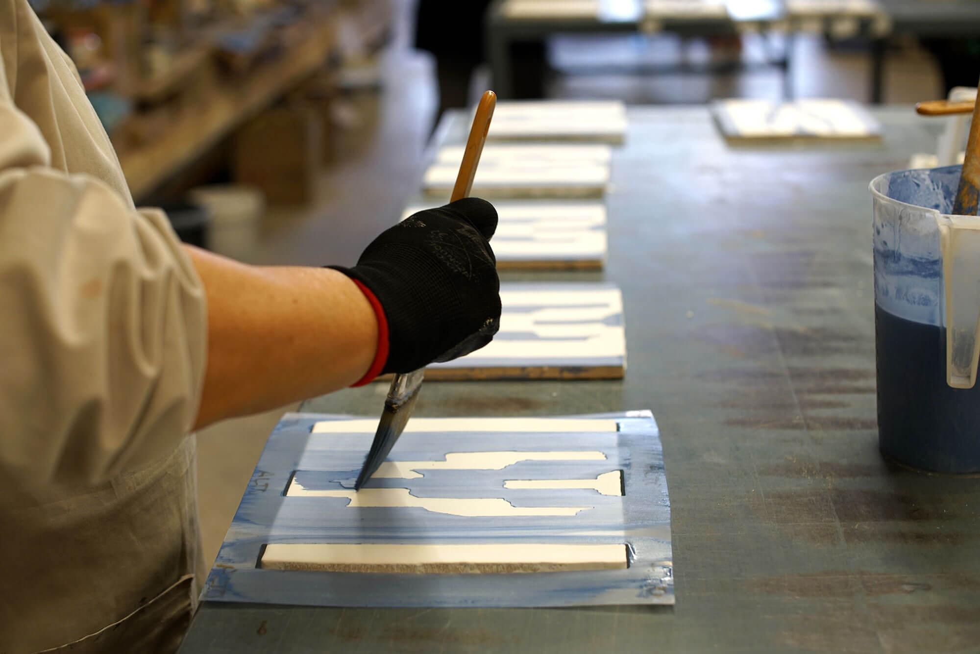 Artesanos de piezas ceramicas desde - Azulejos Personalizados